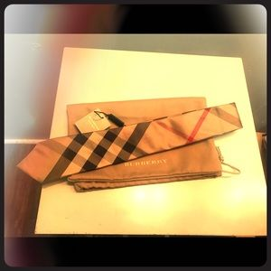 BNWT men's Burberry Tie